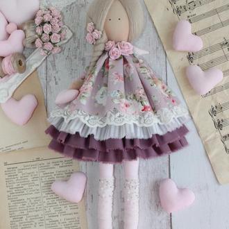 Ангел текстильный с сердцем в руках