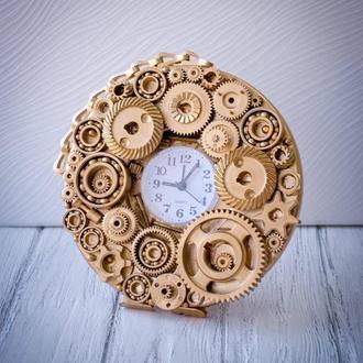 Часы стимпанк из металла с золотым напылением