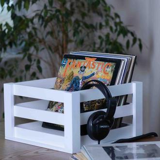 Белый ящик из дерева для пластинок. Ящик Vinyl Moments.