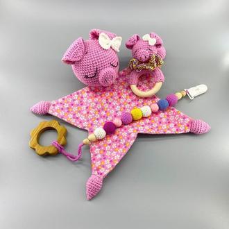 Комплект игрушек для новорожденного, Свинка