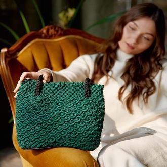 Зелена сумка ручної роботи в стилі макраме