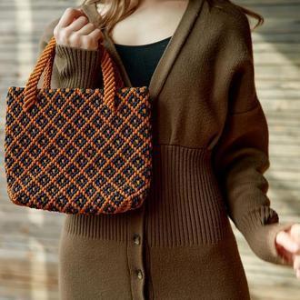 Стильна сумка ручної роботи в стилі макраме