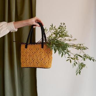 Жовта сумка ручної роботи в стилі макраме