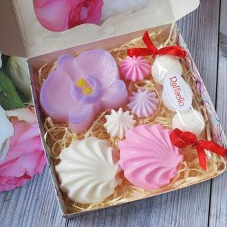 """Подарочный оригинальный набор сувенирного мыла ручной работы """"Сладкая орхидея"""""""