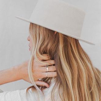 Шляпа канотье белая женская фетровая с плоской тульей твердые поля
