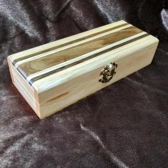 Скринька довга з різних порід дерева