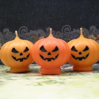 Свечи. Тыква. Хеллоуин.