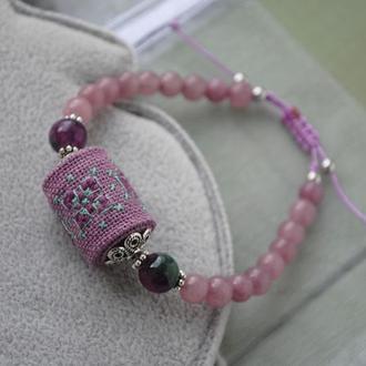 Регулируемый браслет из натурального нефрита и бусины с ручной вышивкой
