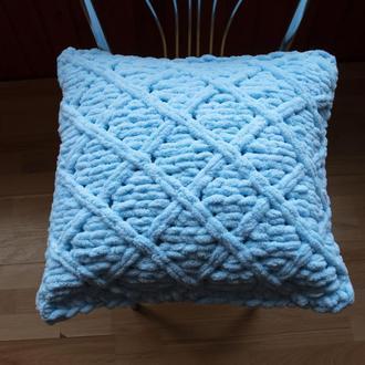 Декоративная подушка из плюшевой гипоаллергенной пряжи 45*45 см (голубая)