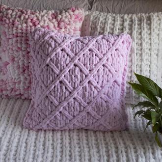 Плюшевая подушка из гипоаллергенной пряжи 45*45 см (розовая)