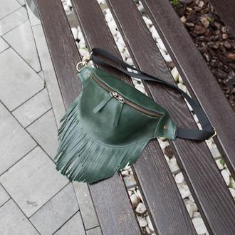 Поясная сумка с бахромой Бананка зелёная