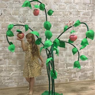 Фантазийное дерево жизни и любви