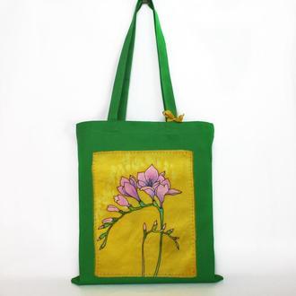 Зеленая эко-сумка с фрезией, цветочный шопер с ручной росписью, батик сумка, желтая  tote bag