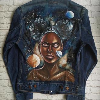 Джинсовая куртка с ручной росписью Космос