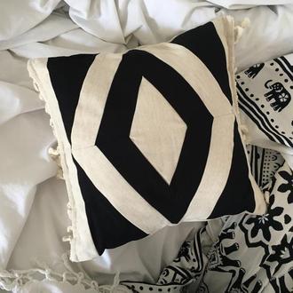 Дизайнерская подушечка в стиле бохо, пэчворк, бежевый ромб.