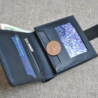 Небольшой брутальный кошелек из натуральной кожи черного цвета K02-0