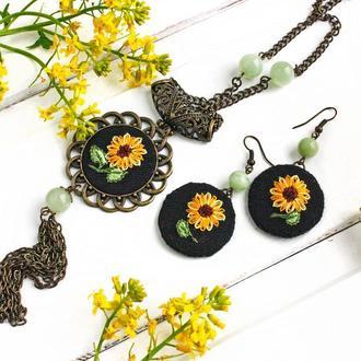 Комплект кулон и серьги с подсолнухами, оникс Набор летних украшений в стиле бохо