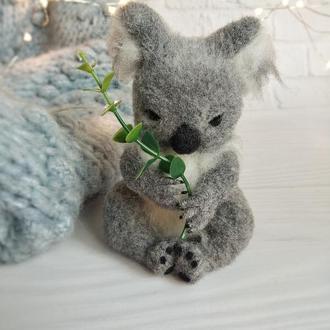 Валяная коала, интерьерная игрушка коала ручной работы