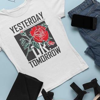 """Футболка с оригинальным принтом """"Вчера или завтра"""""""