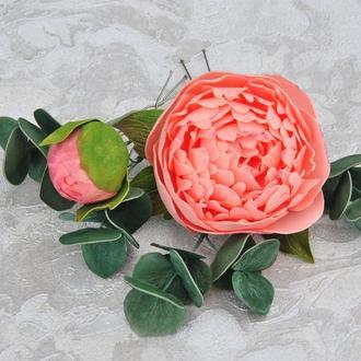 Шпильки для волос персиковые пионы с зеленью эвкалипта