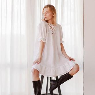 Белое платье-мини из льна на лето