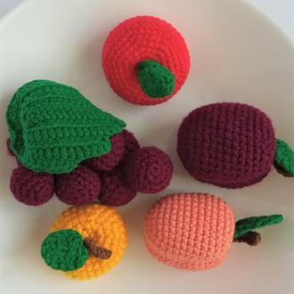 Игрушечные фрукты для детей набор из пяти фруктов:яблоки, слива,абрикос, виноград. Подарок на годик.