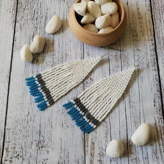 Длинные серьги из бисера ручной работы, белые серьги с голубыми полосками, бохо украшения