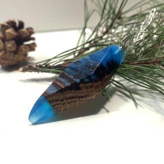 Кулончик на шию із перламутрової синьої епоксидної смоли та стабілізованого дуба 😍
