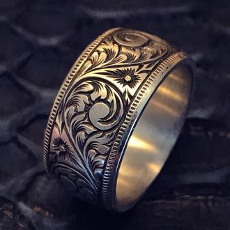Венчальное кольцо из серебра с гравировкой ручной работы