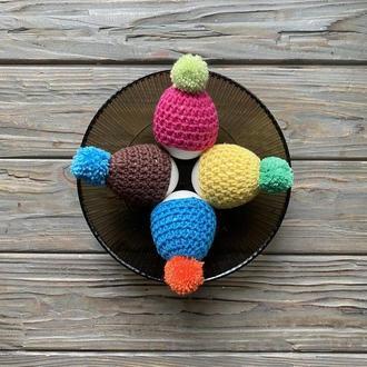 Вязаные шапочки с помпончиками для яиц, Декоративные шапочки на яйца, Вязаный декор для дома