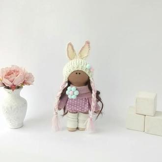 Текстильна лялька маленька в шапочці зайчик