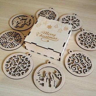 Набор новогодних шаров 8 шт + коробка