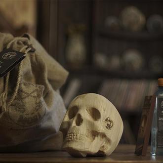 """Комплект дров в форме черепов 1 штука -""""Он был эгоистом"""""""