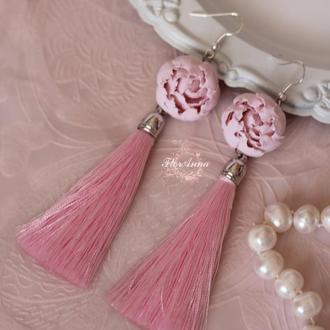 Длинные розовые серьги кисти с пионами