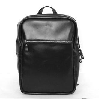 Черный кожаный рюкзак унсекс для ноутбука с плотной подкладкой внутри.