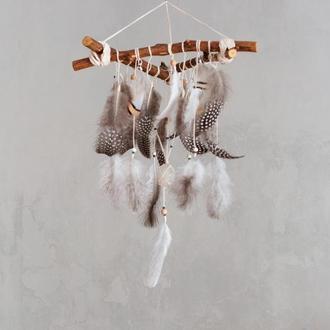 Треугольная подвеска-ловец снов, Оригинальный подарок ручной работы из натурального дерева и перьев