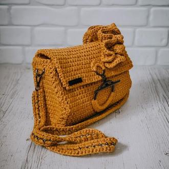 Мастер-класс по вязанию крючком сумки с рюшами