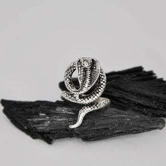 Кольцо кобра