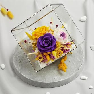 """Флорариум """"Экзотический коктейль"""" из живых стабилизированных долгосвежих роз, размер L"""