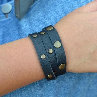 Женский кожаный браслет на 3 оборота.