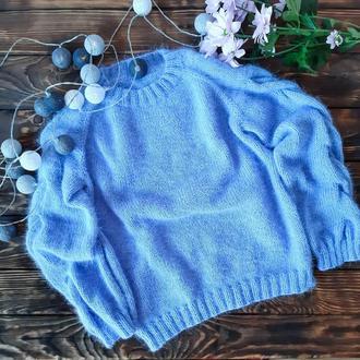 Вязаный пушистый свитер