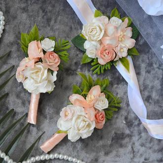 Комплект свадебных бутоньерок в персиковом цвете (для жениха, свидетеля и свидетельницы)