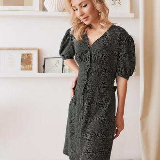 Чёрное платье халатик мини из штапеля в горошек с коротким рукавом
