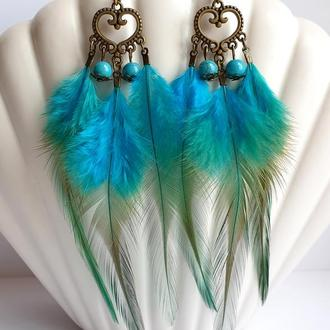 Шикарные длинные серьги с перьями и бусинами бирюзы