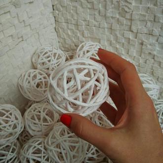 Шары из крафт бумаги белого цвета в диаметре 7см
