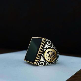 Перстень печатка квадрат с черным ониксом из серебра ручной работы с гравировкой рисунок орнамент
