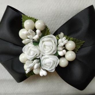 Заколка бант большой черный белые розы