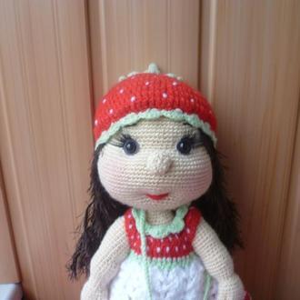 вязаная кукла Клубничка