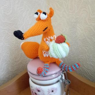 Вязаная лисичка сладкоежка