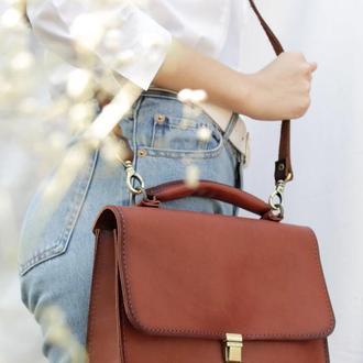 Шкіряна жіноча сумка, Сумка через плече колір вишня, Шкіряна літня сумочка